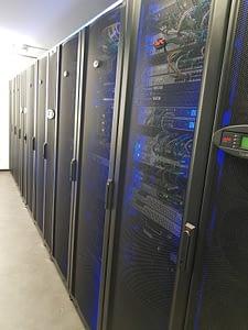 Datacenter Monaco, Les armoires serveurs